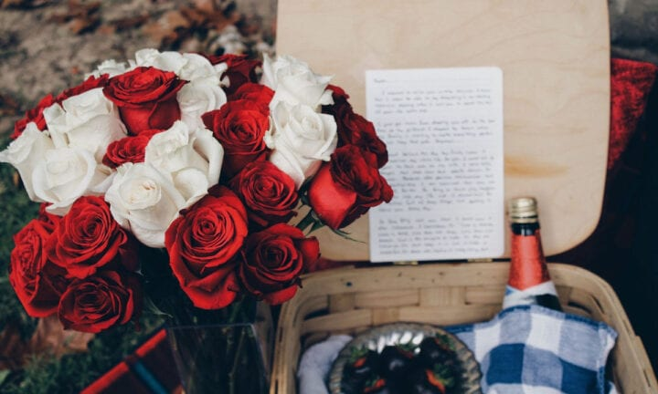 11 valentine s day ideas for long distance couples for Valentine day ideas for couples