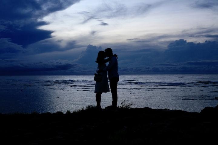 Maneiras de permanecer fiel em um relacionamento