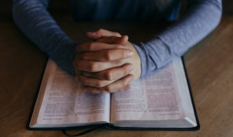 How to Pray Effectively According to the Bible