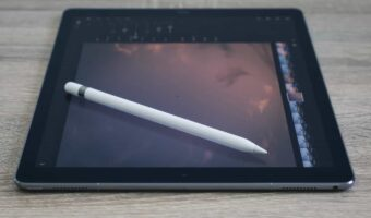 Mark Up Your Bible With the Apple Pencil Using This App